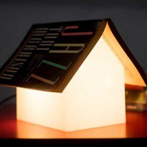 Lampe Repose-Livre - Idées Cadeaux Originales et Insolites