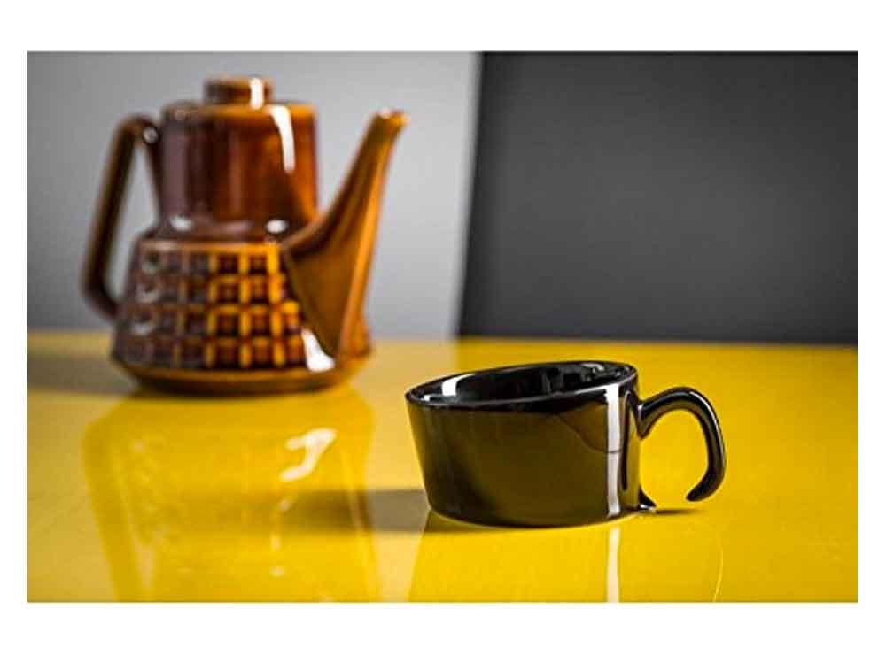 Mug original et insolite, la tasse penchée | Idées cadeaux insolites et originales pour collègues bureau