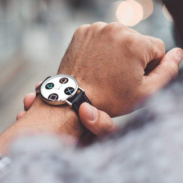 Montre manette de jeu | Idées cadeaux insolites jeux videos