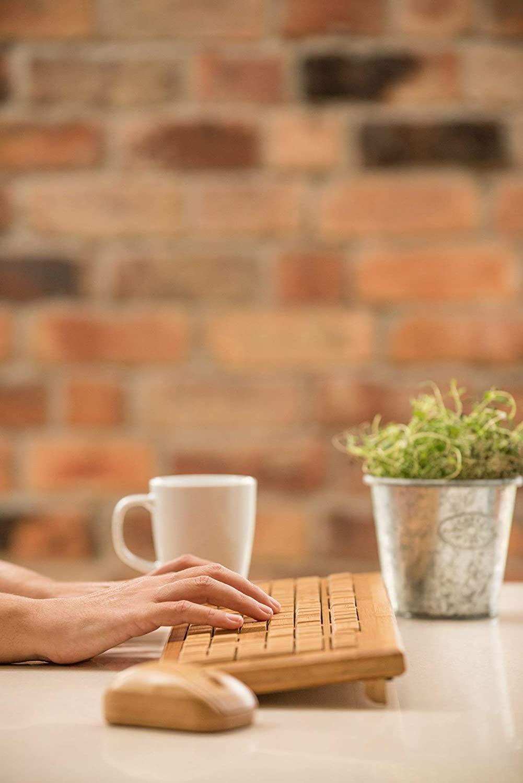 Clavier sans fil en bambou   Idées cadeaux insolites