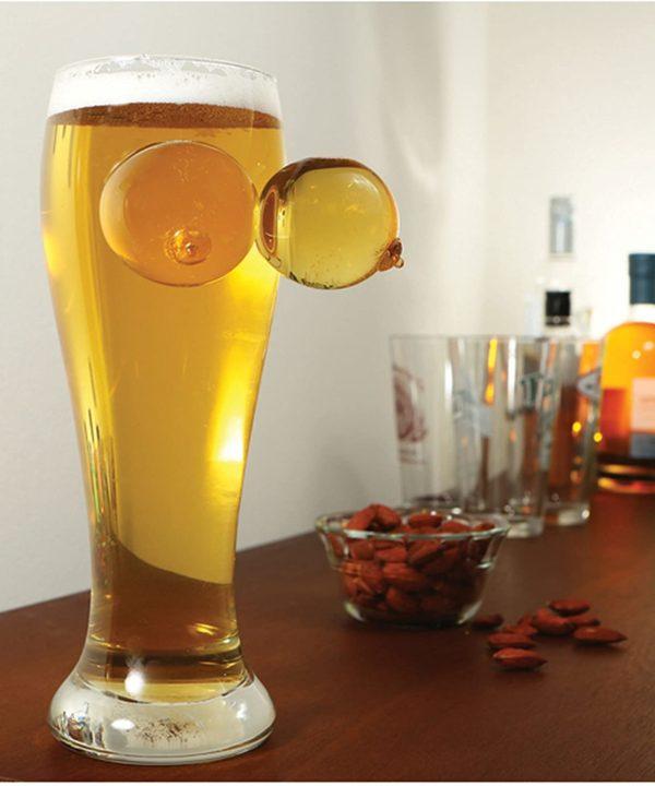 Verre à bière coquin avec des seins   Idées cadeaux insolites